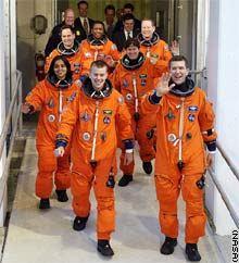 Posádka STS-107 před nástupem do raketoplánu