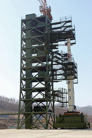 Rampa pro raketu Unha-3 na kosmodromu Sohae