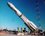 Proton DM1 s družicí Inmarsat-3 před startem z Bajkonuru