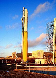 Raketa Minotaur na Vandenberg AFB před prvním startem (leden 2000)