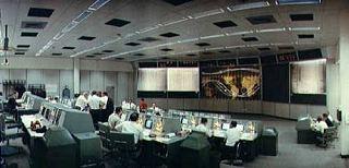 Hlavná sála riadenia pilotovaných letov počas letu Gemini 5 © NASA