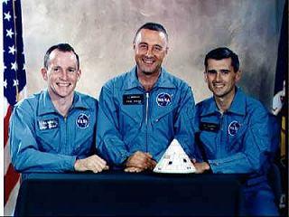 Posádka Apolla 1, zľava White, Grissom, Chaffee © NASA