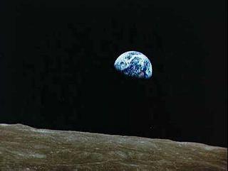 Východ zeme nad Mesiacom - dovtedy nevidené divadlo