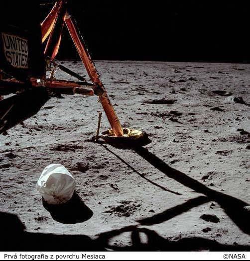 Prvá fotografia z povrchu Mesiaca