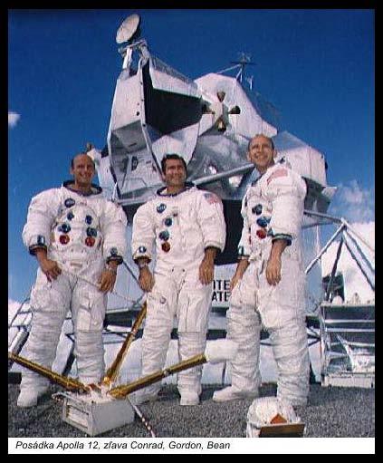 Posýdka Apolla 12: zľava Conrad, Gordon, Bean