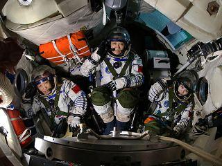 Posádka SZ-10 (zleva: Zhang, Nie, Wangová)