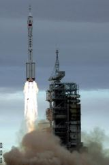 Start kosmické lodi SZ-6 (12.10.2005)