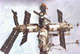 Mir při odletu Endeavour STS-89
