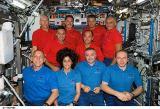 Společná fotografie posádek Expedice 15 a STS-117 (18.06.2007)