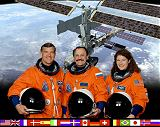 Expedice 2 ISS (zleva Voss, Usačev, Helms[ová])