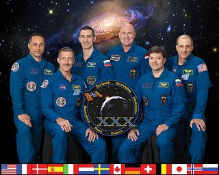 Expedice 30 (zleva: Škaplerov, Burbank, Ivanišin, Kuipers, Kononěnko, Pettit)