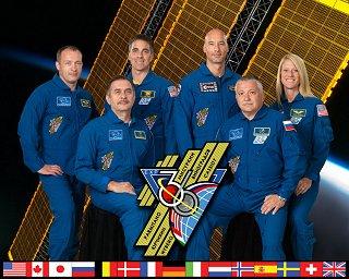 Expedice 36 (zleva: Misurkin, Vinogradov, Cassidy, Parmitano, Jurčichin, Nybergová)