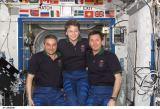 Společná fotografie členů Expedice 5 na ISS (26.11.2002)