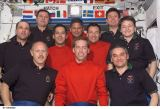Společná fotografie posádek Expedice 6, STS-113 a Expedice 5 na ISS (26.11.2002)