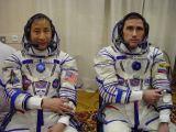 Posádka Sojuzu TMA-2 krátce před startem (26.04.2003)