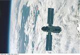 Modul Zarja při přibližování k STS-88 (06.12.1998)