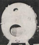 Obr.4) Foto: Orbitální sekce Sojuzu sotevřeným vstupním otvorem; snímek K. Masojídek