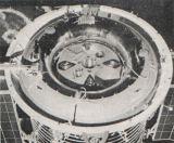 Obr.10) Pohled na dno přístrojové sekce Sojuzu
