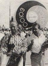Leonov a Kubasov den před startem na kosmodromu