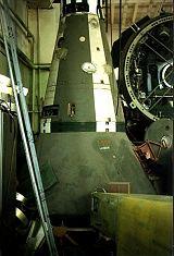Návratová kabina Merkur s manévrovací a brzdicí raketovou jednotkou vpředu