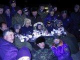 Posádka EP-4 po přistání (10.11.2002)