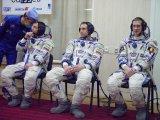 Posádka Sojutu TMA-1 před startem (30.10.2002)