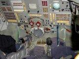 Pohled do interiéru kabiny lodi typu Sojuz TM (2002)