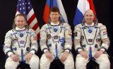 Posádka Sojuzu TMA-4 (zleva: Fincke, Padalka, Kuipers)