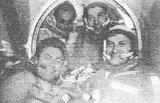 Setkáni kosmonautů na palubě Saljutu 6. Zleva V. Kovaljonok, A. Ivančenkov, P. Klimuk a M. Hermaszewski