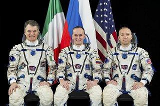 Posádka Sojuzu MS-05 (zleva: Nespoli, Rjazanskij, Bresnik)