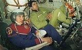 Kizim a Solovjov v trenažéru lodi Sojuz T