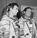 Posádka Sojuzu T-9