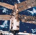 Poškozený Spektr pozorovaný při odletu STS-86