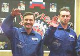 Posádka Sojuzu TM-30 (vlevo Kaleri, vpravo Zaljotin)