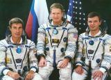 Posádka Sojuzu TM-31 (zleva Krikaljov, Shepherd, Gidzenko)