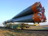Přeprava nosné rakety s lodí Sojuz TM-32 na rampu (26.04.2001)