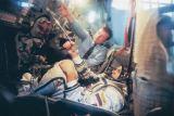 Výcvik v simulátoru lodi Sojuz TM (2002)