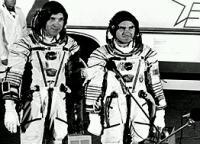 Posádka Sojuzu TM-8 před startem (05.09.1989)