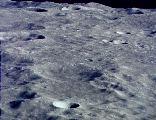 Měsíční povrch při těsném průletu