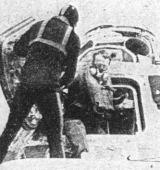 Poslední opouští loď velitel Alan B. Shepard