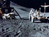Irwin pracuje na Měsíci