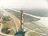 Převoz Saturnu V s Apollem 8 na startovací rampu 39A