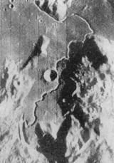 Měsíční Apeniny a Hadleyova brázda