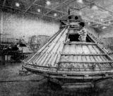 Snímek z dílen North American v Downey nám ukazuje velitelskou sekci Apolla jak ji ještě neznáme - bez vnějšího ochranného pláště