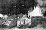 Vyprošťovací transportéry před odpalovací rampou na mysu Kennedy