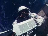 Aldrin při EVA (13.11.1966)