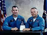 Posádka Gemini 8 (zleva Scott a Armstrong)