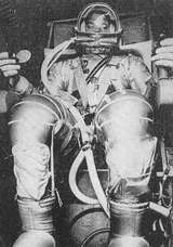Čtvrtý americký kosmonaut podplukovnlk Leroy Gordon Cooper (foto ČTK.)