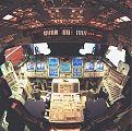 Nový vzhled palubní desky orbiteru Atlantis (1999)