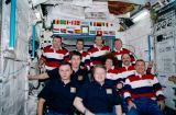 Společná fotografie posádek v modulu Destiny na ISS (10.03.2001)